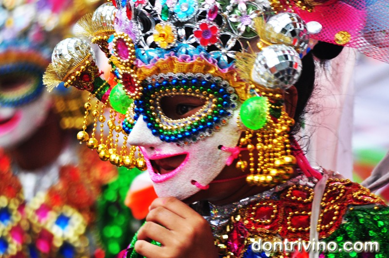Photos of Bacolod's Masskara 2012 -Grade school and High School Division Part 1 of 4