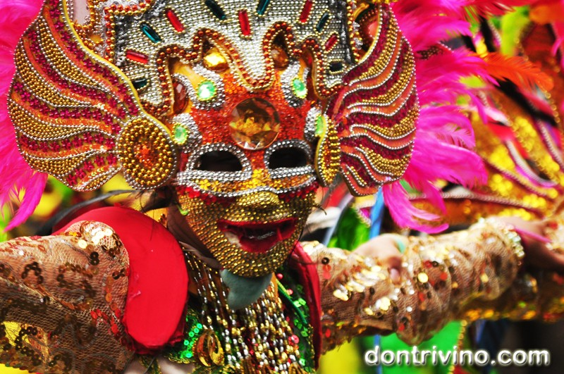 Photos of Bacolod's Masskara 2012 -Grade school and High School Division Part 2 of 4