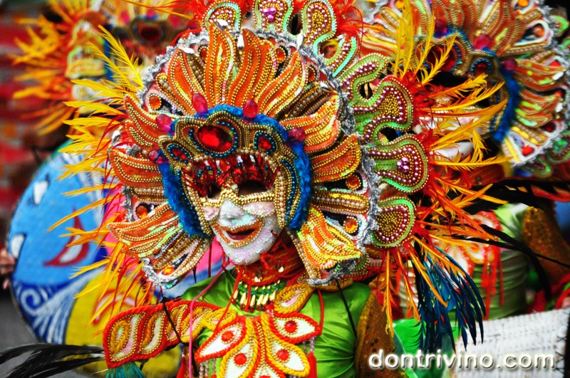 Photos of Bacolod's Masskara 2012 -Grade school and High School Division Part 3 of 4