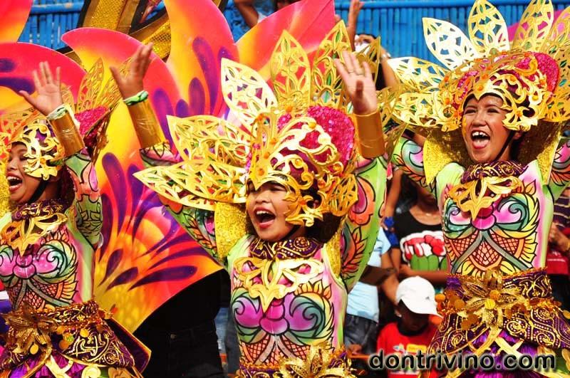 San Carlos City's  Pintaflores 2012 (5 of 5)
